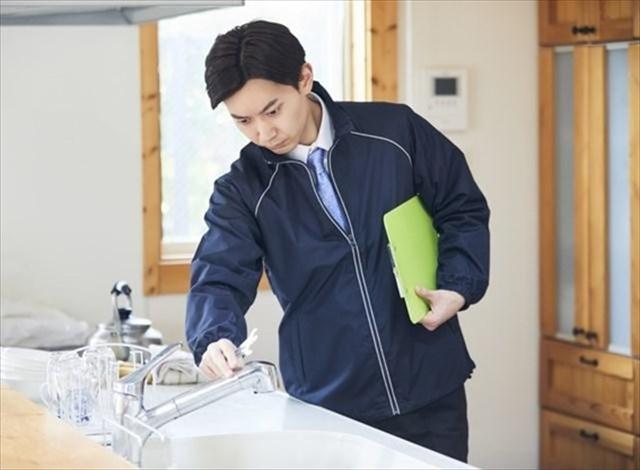 【大家さん向け】賃貸アパートで水漏れ発生!正しい対処法や大家さんの修繕義務や責任範囲について詳しく解説