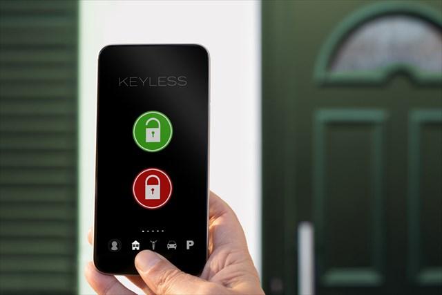 【大家さん必読】スマートロックで賃貸アパートのセキュリティを強化!メリットや注意点、費用を解説